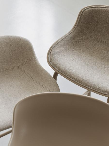 Hyg Barstool 75 Front Upholstery barová stolička s vnútorným čalúnením