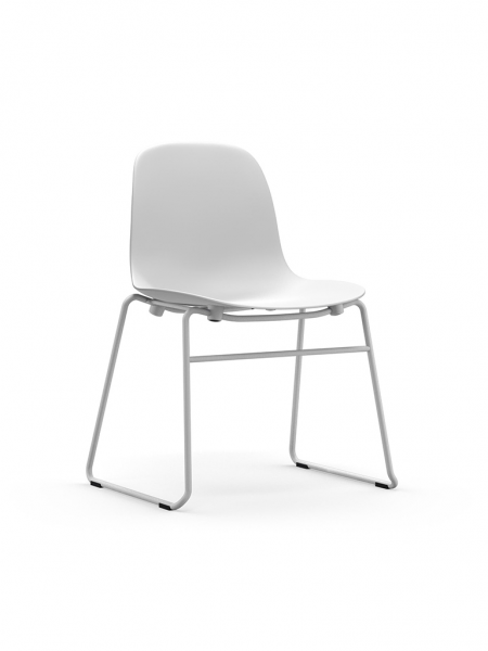 Form Stacking Chair stohovateľná stolička s lyžinovou podnožou