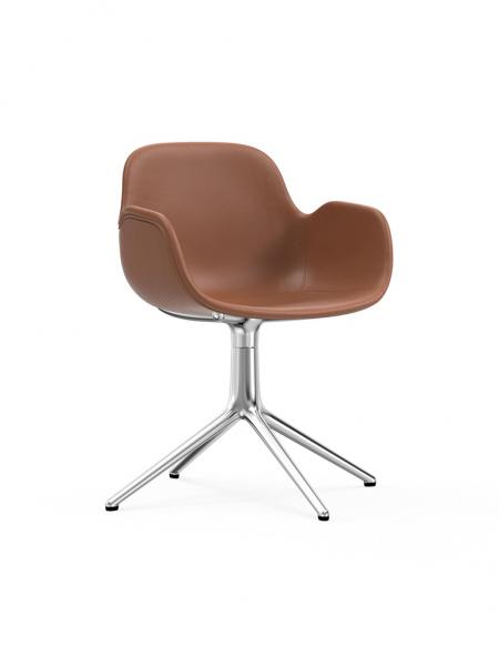 Form Armchair Swivel 4L čalúnená stolička s centrálnou podnožou