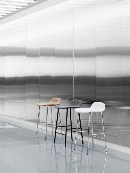 Form Barstool 65cm Chrome barová stolička nízka