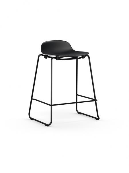 Form Barstool 65 cm Stacking nízka barová stolička s lyžinovou podnožou