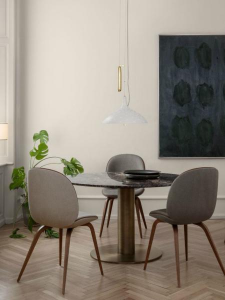 BEETLE stolička, drevená podnož